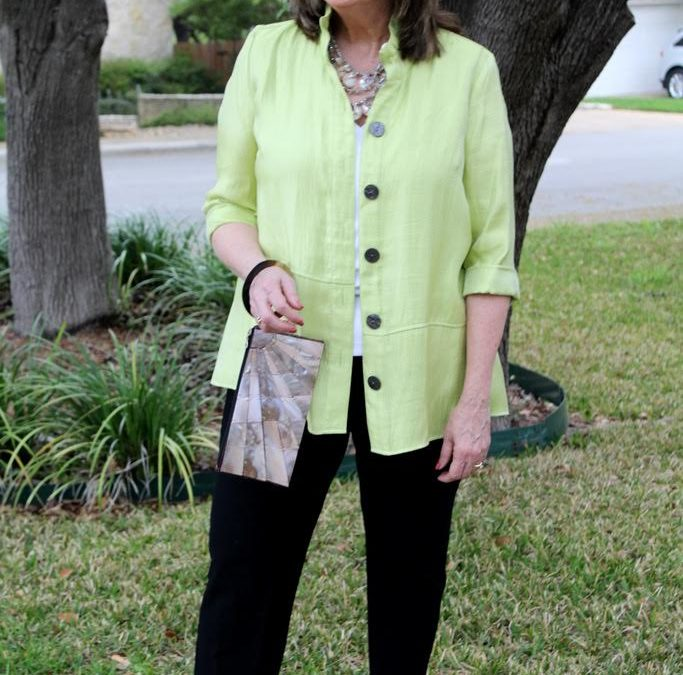 How Women Over 50 Can Wear A Spring Jacket