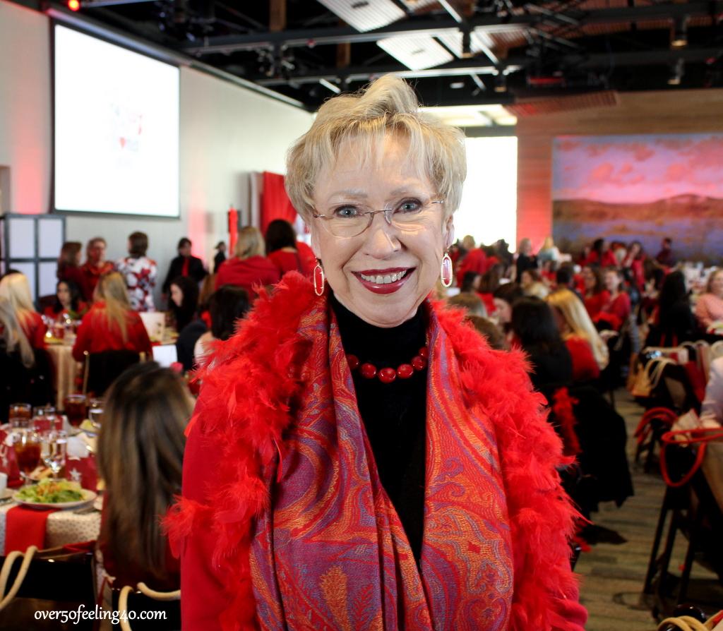 Pamela Lutrell shows what women wear