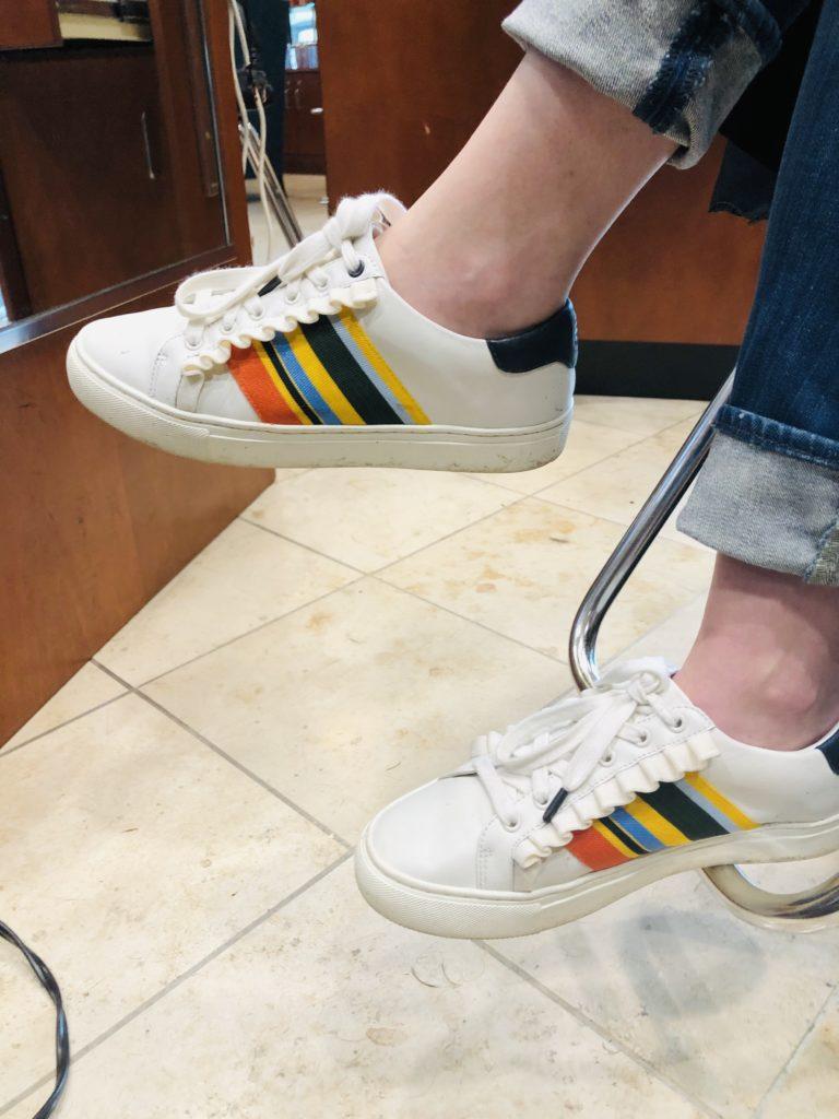 Pamela Lutrell shares Tory Burch sneaker