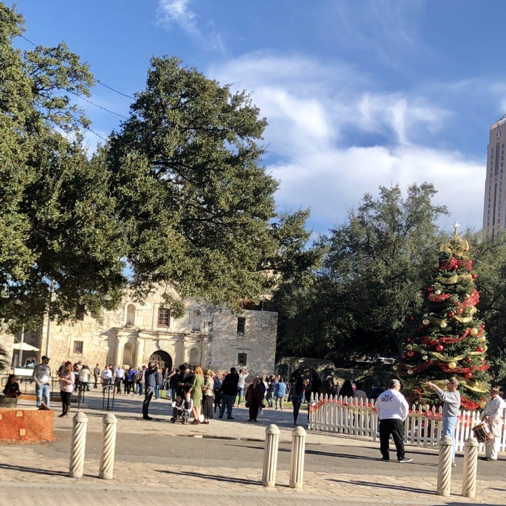 Pamela Lutrell plays tourist in downtown San Antonio
