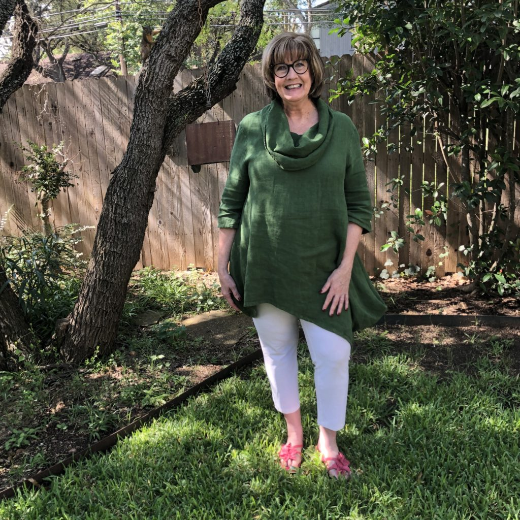 Green Linen Tunic on Over 50 Feeling 40