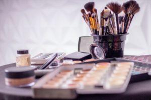 How older women wear makeup on Over 50 Veeling 40
