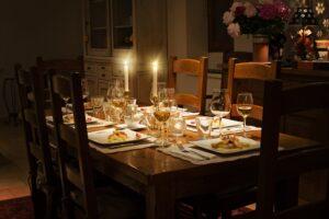 Elegant Table Setting on over 50 Feeling 40