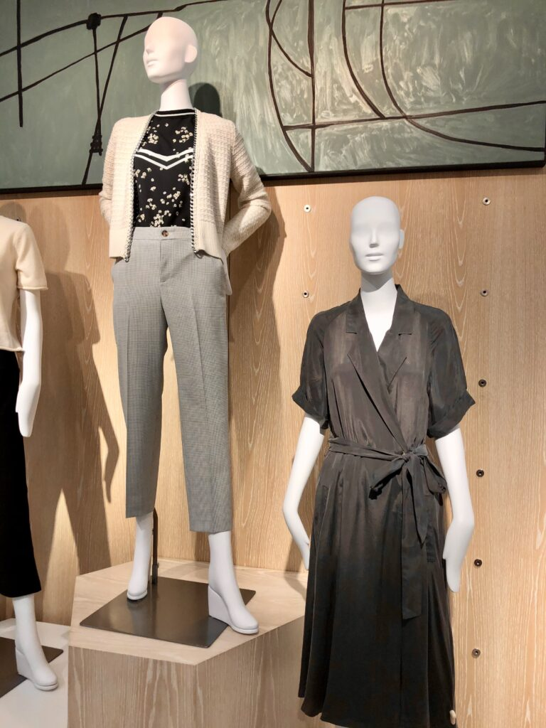 Would You Wear Minimalist Style on over 50 Feeling 40