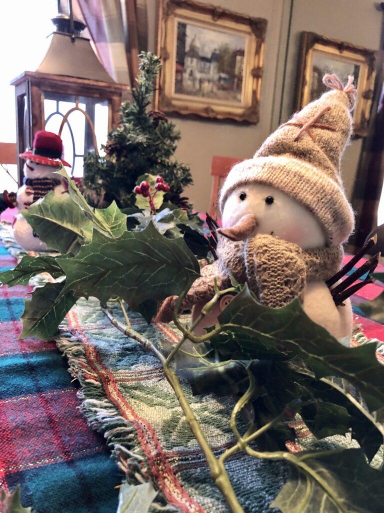 Christmas Home Decor on Over 50 Feeling 40