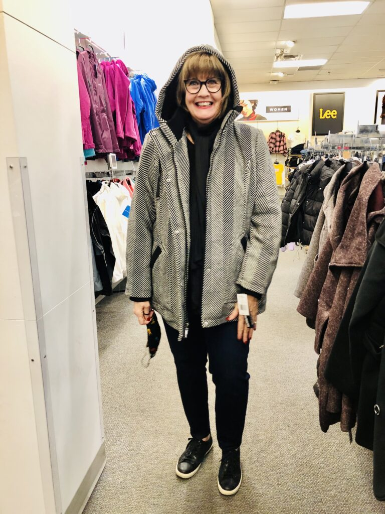 Pamela Lutrell in KOHLS jacket on Over 50 Feeling 40