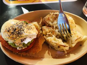 Brunch at Snooze on Over 50 Feeling 40