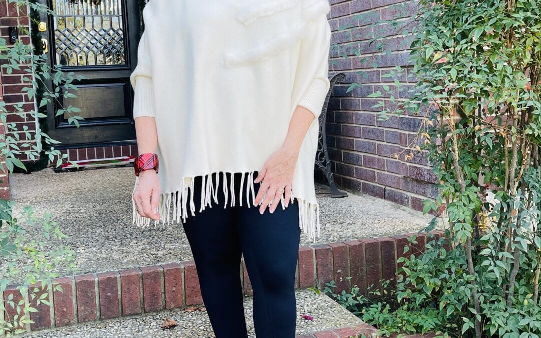 How I wear a winter white poncho without looking larger